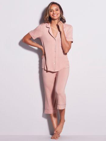 Pijama Pantacourt Em Viscose Com Vivo Contrastante Flora Rosa Sonho
