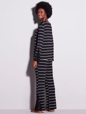 Pijama Longo Em Renda E Viscose Maya Preto