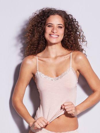 Camiseta Alças Finas Em Modal E Detalhe Em Renda Bege Ballet